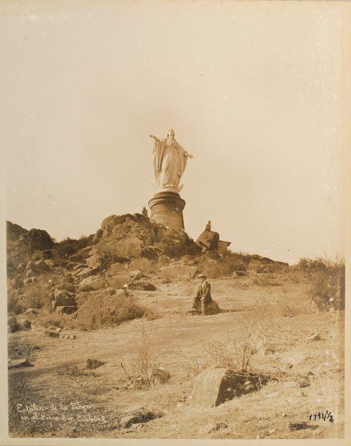 Estatua de la Virgen en el Cerro Cristóbal
