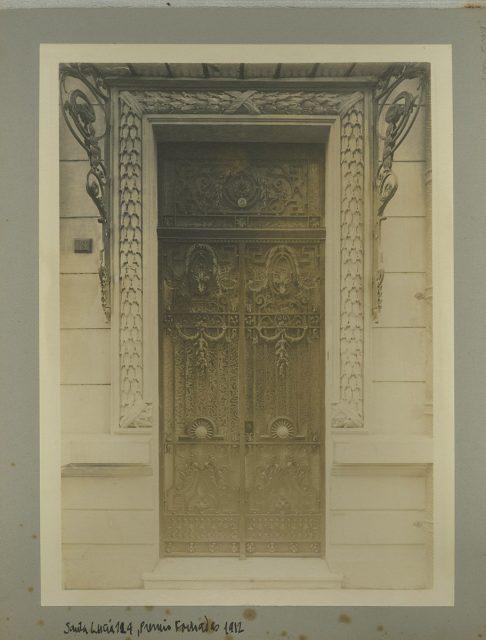 Puerta casa de Máximo del Campo, Santa Lucía 124