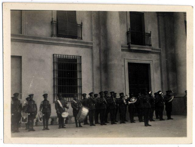 Banda militar en La Moneda