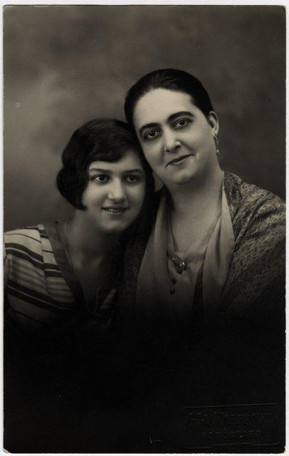 Retrato de Rina Rotti y Teresita Buscoroti