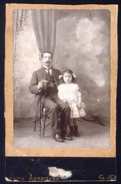 Retrato de Arturo Rodríguez e hija