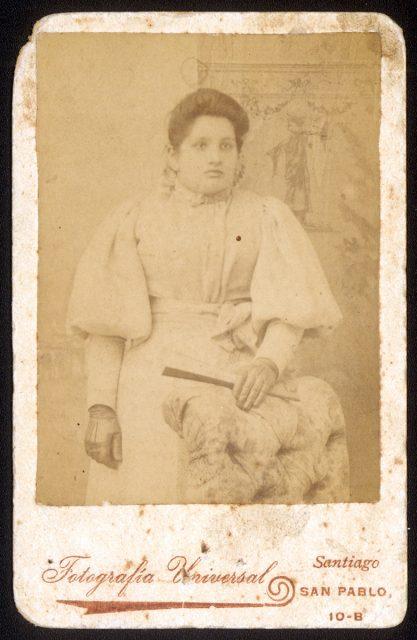 Retrato de María L. Moya