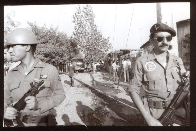 Militares y bomberos