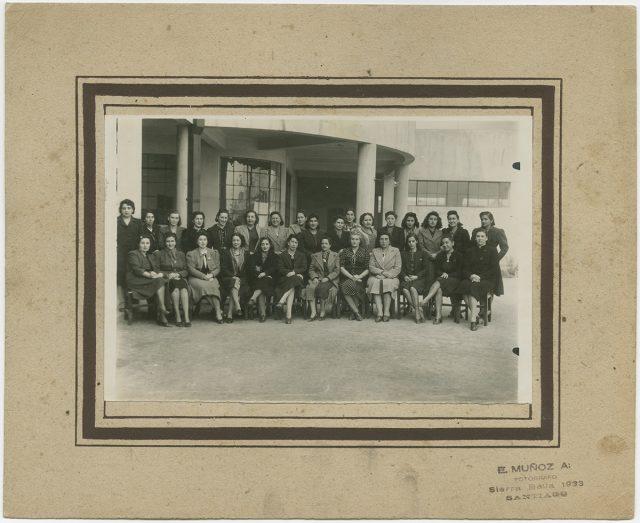 Retrato de un grupo de mujeres.