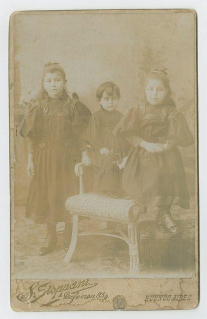 Retrato de tres niñas