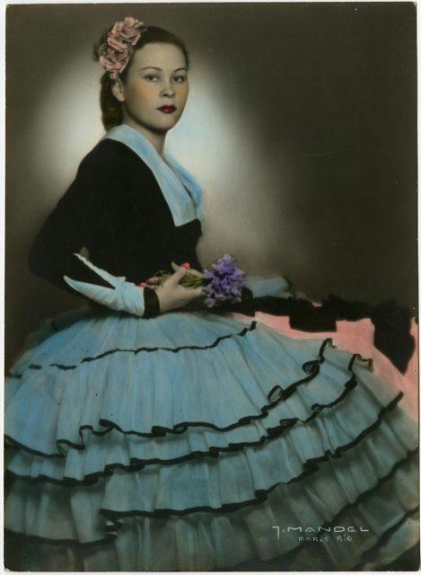 Retrato coloreado de una mujer