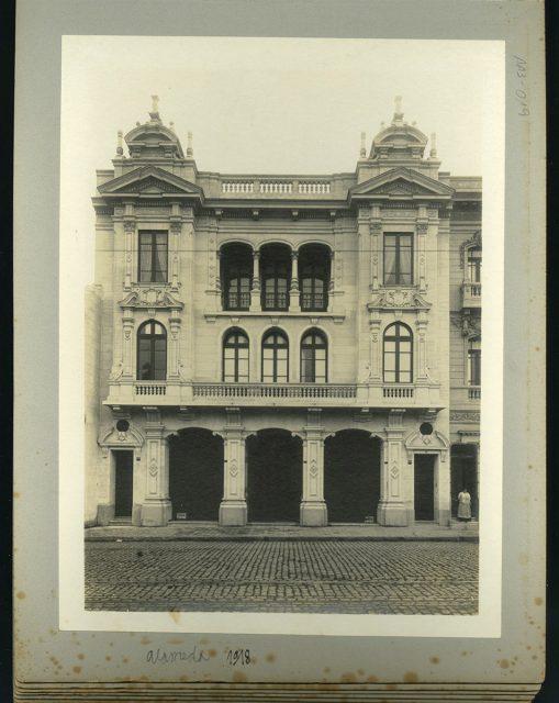 Fachada, Alameda 1942
