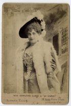 Miss Geraldine Ulmar como «la Cigale»