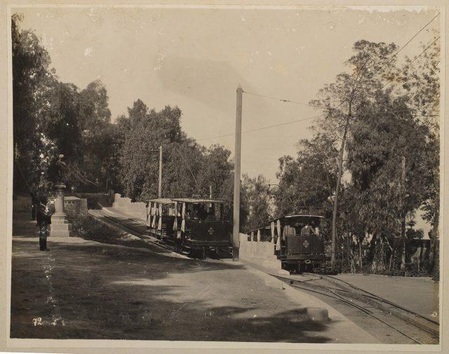 Carros de tramway en el Cerro Santa Lucía