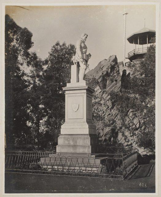 Monumento a Pedro de Valdivia en Cerro Santa Lucía