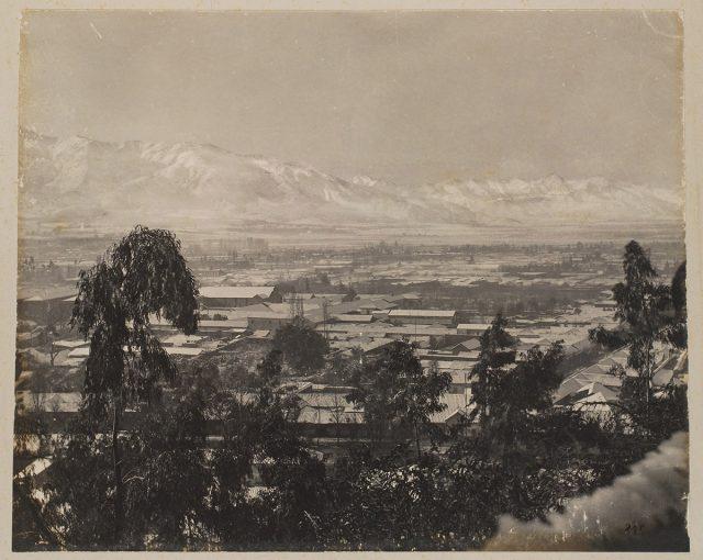 Vista de Santiago y de la Cordillera