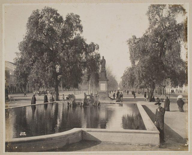 La fuente de Neptuno, Alameda, Santiago