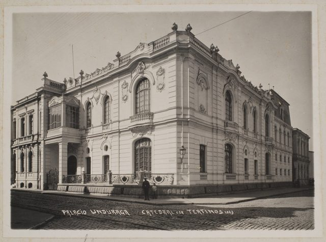 Palacio Undurraga, Catedral esquina Teatinos