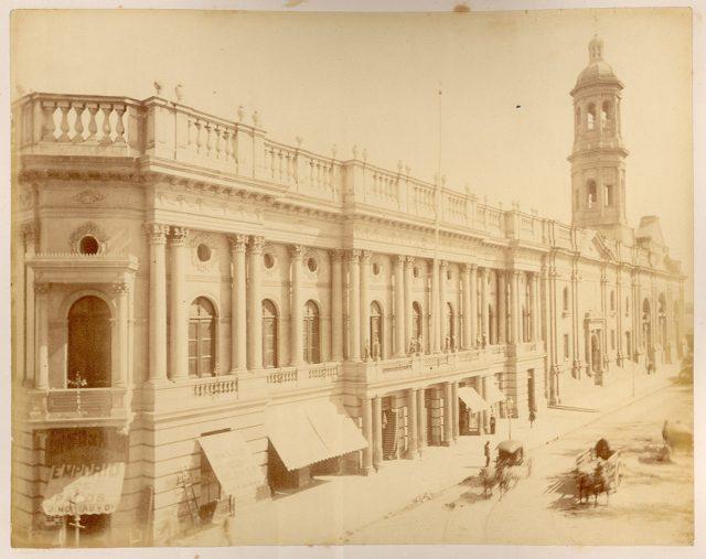 Palacio Arzobispal en la Plaza de Armas, Santiago