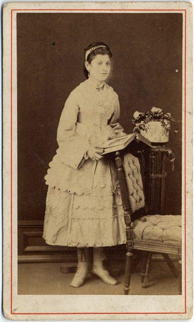 Retrato de Alina Serieux Damel