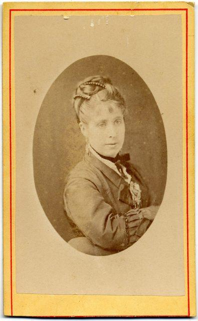 Retrato de Adela B. de Vidaurre