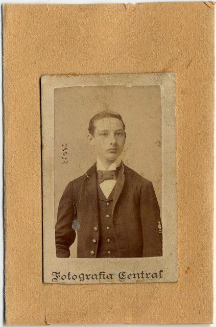 Retrato de un joven hombre.