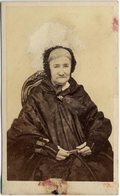 Retrato de Adelina Varas Casas