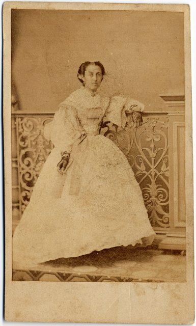 Retrato de la señorita de la Barra Pérez Canto.