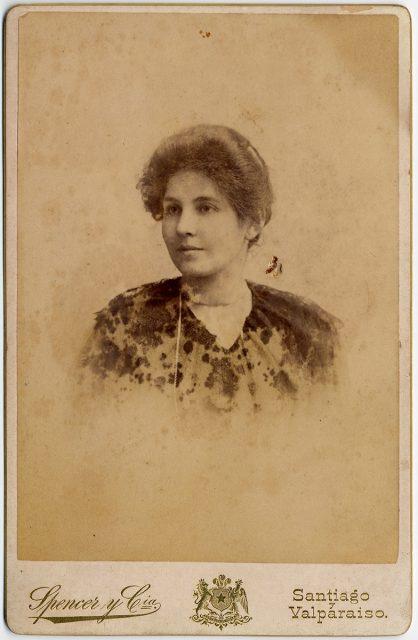 Retrato de María Oyarzun de Lavanderos.