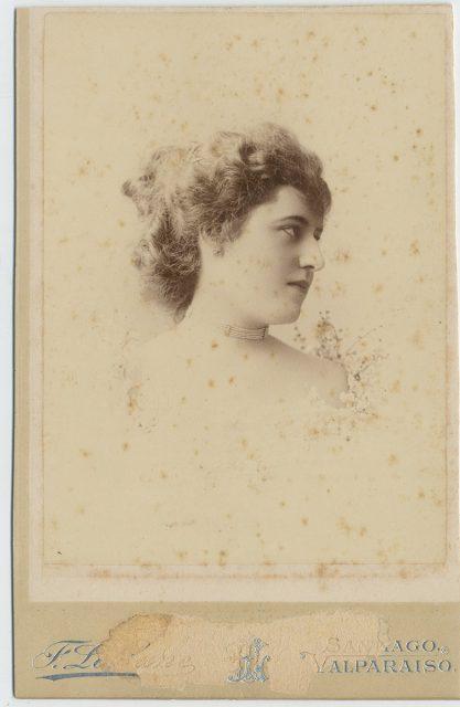 Retrato de Beatriz Larraín Bravo