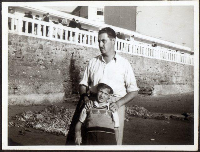 Renato Valenzuela y Wicks y su hijo