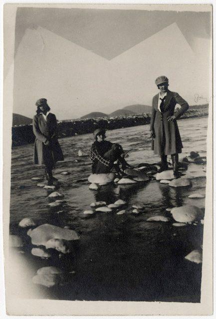 Mujeres en el río