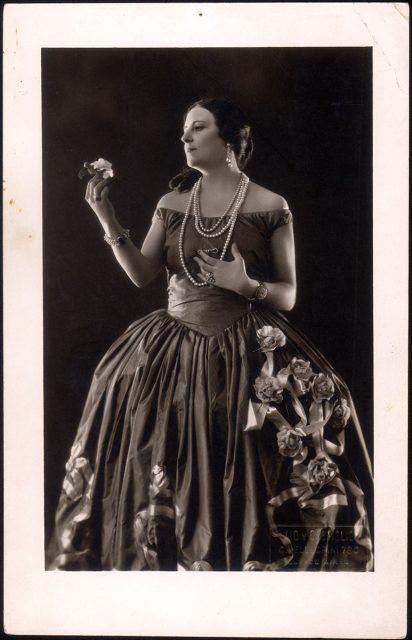 Retrato de Carmen Quiroga.