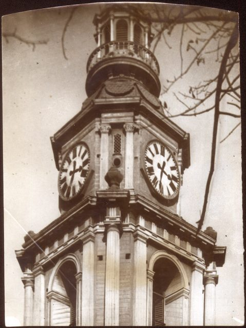 Reloj decano de la Iglesia de San Francisco