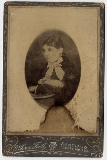 Reproducción de fotografía de mujer
