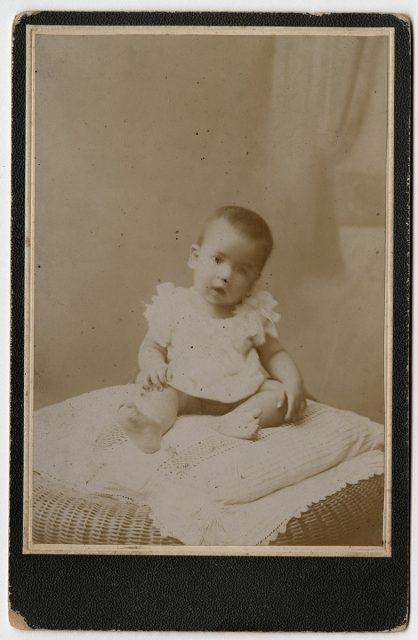 Retrato de Custodio U. Salinas Q. de bebé