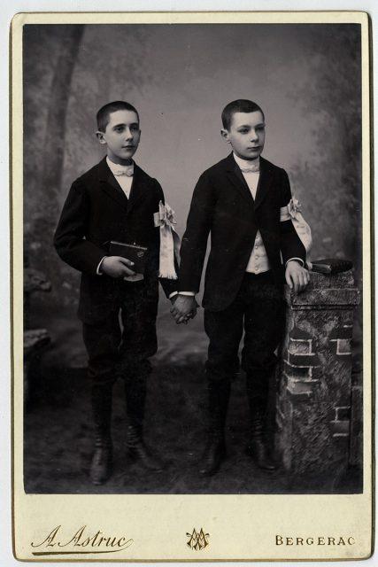 Luis y Ernesto Bouey Savagnac el día de su primera comunión