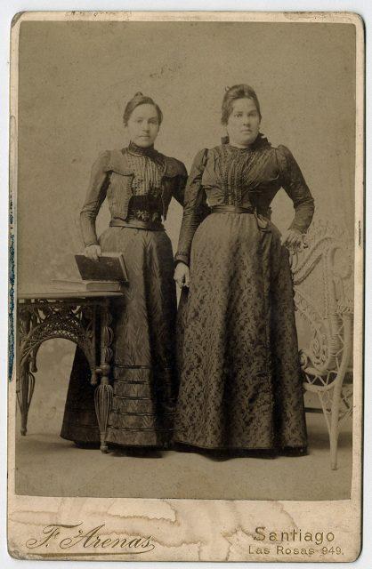 Julia y Ercilia Santiagos