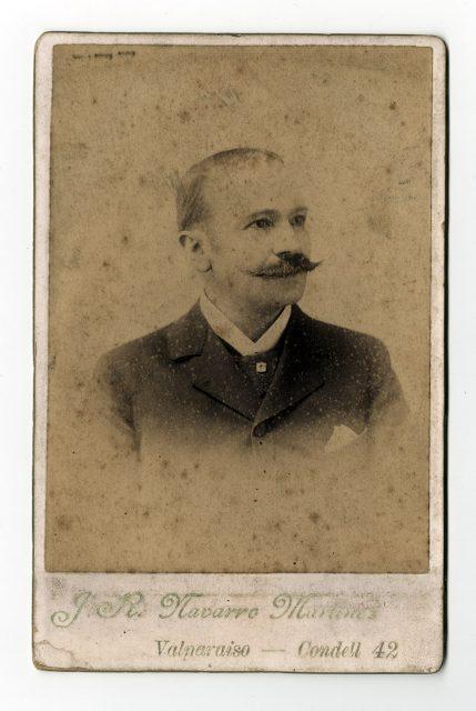 Retrato de un hombre con bigote