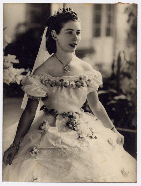 Retrato de Inés Elena Maziéres Granger, Reina de la Primavera, Rancagua 1947