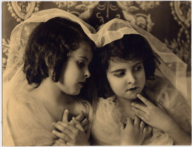 Retratos de Gabriela y Silvia Lezaeta Castillo