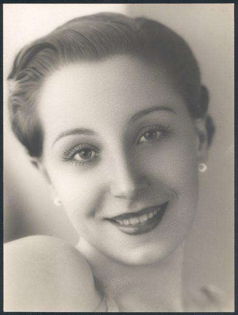 Retrato de mujer sonriendo