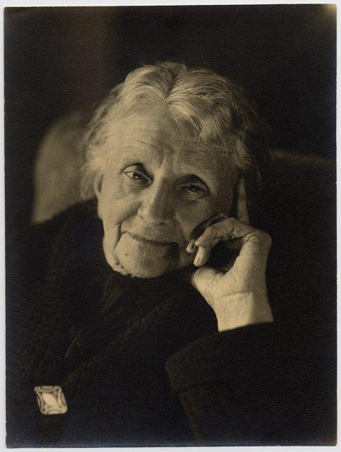 Retrato de una anciana