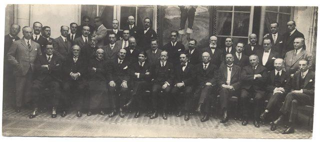 Retrato de un grupo de hombres