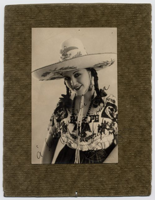 Retrato de una mujer con sombrero