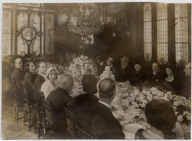 Grupo de invitados a un matrimonio