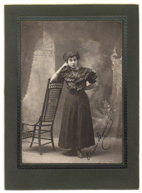 Retrato de Elena Barón
