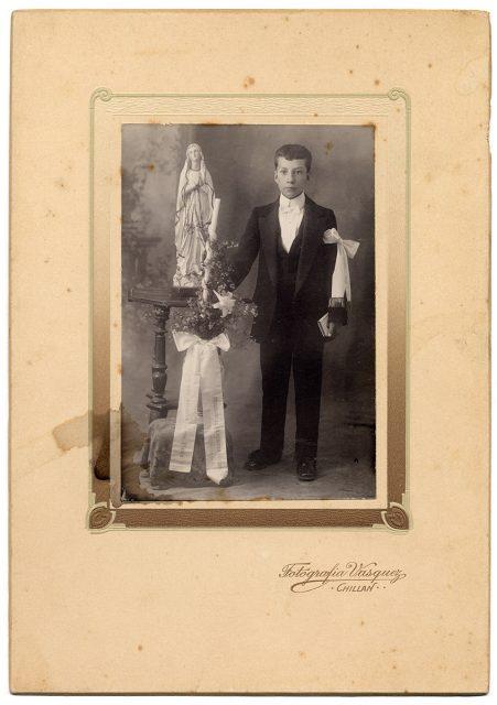 Retrato de Archibaldo Arcadio Lagos Pinto el día de su primera comunión