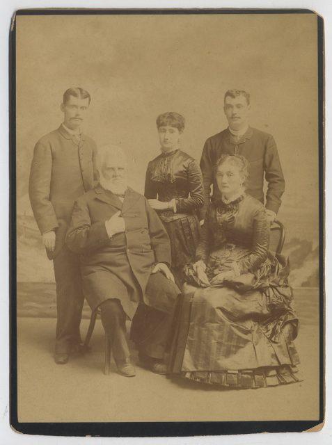 Retrato de cinco miembros de la familia Lapeyrouse