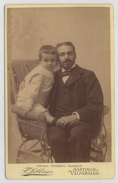 Retrato de un padre con su hijo