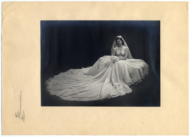 Retrato de una novia con ramo