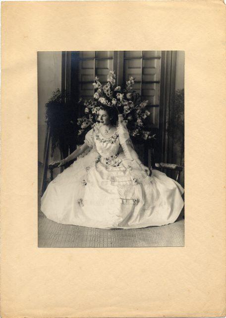 Retrato de Inés Elena Maziéres Granger, Reina de la Primavera de Rancagua de 1947