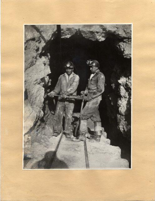 Mineros trabajando