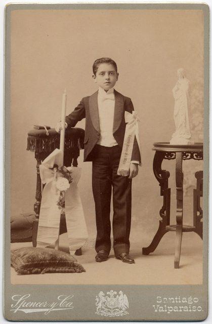 Retrato de Eugenio Bordeu de la Maza el día de su comunión
