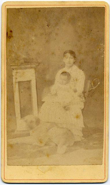 Retrato de una mujer con su niño